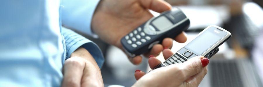 """Digital Detox Tipp #4: Ein """"Dumb-Phone"""" tut es auch für unterwegs"""
